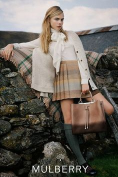 Mulberry Automne / Hiver 2014 Campagne publicitaire: Cara Delevingne dans les Highlands écossais par Tim Walker