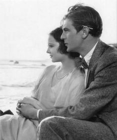 """Gary Cooper and Sylvia Sidney in """"City Streets"""" (1931)"""
