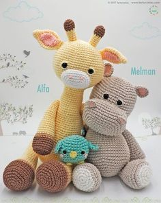 Crochet patterns animals are usually used to make Amigurumi. Have you ever heard about Amigurumi? It is a doll that is made with one crochet needle method. Amigurumi is commonly found in the form of animal dolls. Crochet Giraffe Pattern, Crochet Animal Amigurumi, Crochet Patterns Amigurumi, Amigurumi Doll, Crochet Animals, Crochet Dolls, Crochet Birds, Knitted Dolls, Amigurumi Giraffe