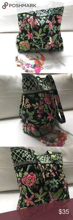 VERA BRADLEY LARGE TOTE Gorgeous tote in perfect condition, no damages , simply like new , see measurements Vera Bradley Bags Totes