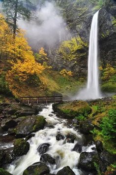 36 Incredible Places That Nature Has Created For Your Eyes Only Elowah Falls, Columbia River Gorge Washington/Oregon border Columbia River Gorge, Beautiful Waterfalls, Beautiful Landscapes, Famous Waterfalls, Oregon Waterfalls, Places To Travel, Places To See, Beautiful World, Beautiful Places