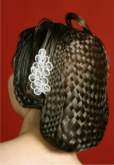 Now THAT is some hair weaving.