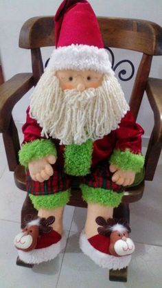 Mis Manualidades con amor's media content and analytics Christmas Fabric, Felt Christmas, Christmas Home, Xmas, Christmas Ornaments, Hobbies And Crafts, Diy And Crafts, Holiday Crafts, Holiday Decor