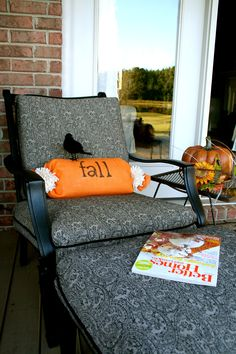 No sew burlap pillow or could put a big power T on it. & Two-Minute No-Sew Burlap Embellished Pillows for Fall | Burlap ... pillowsntoast.com