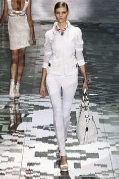 GUCCI - Great Look!
