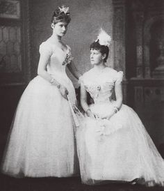 Alexandra Feodorovna, Queen Victoria Prince Albert, Princess Victoria, Princess Alice, Elisabeth, Imperial Russia, Vintage Beauty, Vintage Dresses, Royalty