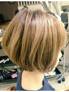 【Euphoria】ハイトーン×ショートボブ☆担当長谷川/Euphoria 【ユーフォリア】SHIBUYA GRANDEをご紹介。2017年春の最新ヘアスタイルを100万点以上掲載!ミディアム、ショート、ボブなど豊富な条件でヘアスタイル・髪型・アレンジをチェック。