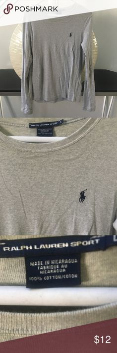 Gray Ralph Lauren long sleeve tee In very good used condition with no rips or stains. Super soft, 100% cotton top. Thanks for looking and make an offer.💕 Ralph Lauren Tops Tees - Long Sleeve