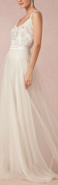 never thought of a concept like this for a wedding gown but absolutely love the texture combined with the simplicity.
