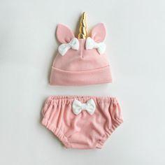 Sombrero del bebé unicornio rosa y conjunto de por lovewhatsmissing