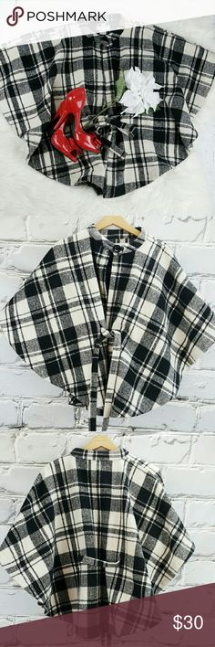 "💞SALE💞 Jessica Simpson Black & Cream Cape Jacket Fabulous Jessica Simpson Black & Cream Bat Cape Jacket 95% Polyester 5% Wool 28"" from the top of the shoulder to the bottom Suze is S/M Jessica Simpson Jackets & Coats Capes"
