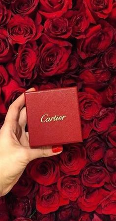 Cartier and red roses #Luxurydotcom