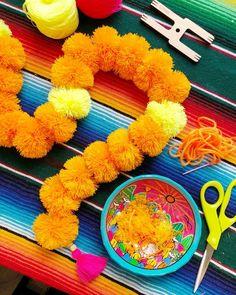 Cempasuchil_Pom_Pom_Garland_DIY_Artelexia_The_Neon_Tea_Party_28 Crafts For Teens To Make, Crafts For Seniors, Crafts To Sell, Easy Crafts, Diy And Crafts, Pom Pom Garland, Diy Garland, Party Garland, Samhain
