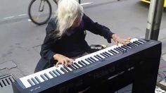 ピアノ天才おばあちゃん - YouTube