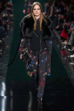 Elie Saab | Fall 2014 Ready-to-Wear Collection | Style.com Tilda Lindstam