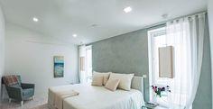 Aim for cozy atmosphere! Kanna LED-lights bring bright light to this bedroom. Tähtää kodikkaaseen ilmapiiriin! Kanna LED-alasvalaisimet tuovat valoa makuuhuoneeseen.
