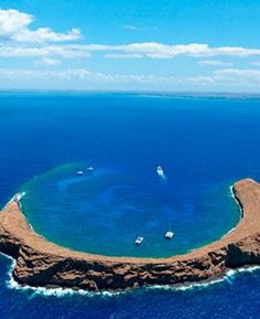 Maui Snorkeling Tours to Molokini Crater