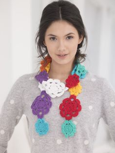 Crochet Flower Chain Scarf. ﻬஐCQஐﻬ #crochet #spring #crochetflowers #flowers