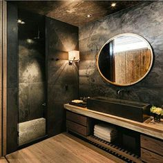 Black is an elegant color and you can use it on home interiors to get a glamourous room design, even in bathroom. See 10 Black Luxury Bathroom Design Ideas. Bathroom Design Luxury, Luxury Interior Design, Modern Interior, Bad Inspiration, Bathroom Inspiration, Bathroom Ideas, Dream Bathrooms, Beautiful Bathrooms, Black Bathrooms