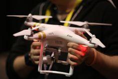 Piloto de drones, una profesión de futuro Ya sea para uso recreativo o profesional, el empleo de estas aeronaves se ha multiplicado en los últimos años