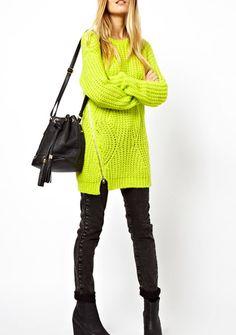 Żółty sweter z suwakiem na boku