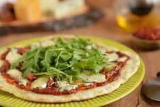 Szybka pizza z patelni – 4 sery. Uzależniająca! Szybka, bez drożdży, rewelacyjna w smaku. Najlepszy pomysł na kolację na ciepło. Spróbuj sam! Vegetable Pizza, Tacos, Vegetables, Ethnic Recipes, Food, Essen, Vegetable Recipes, Meals, Yemek