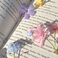 Shared by Find images and videos about pink, aesthetic and flowers on We Heart It - the app to get lost in what you love. Spring Aesthetic, Nature Aesthetic, Book Aesthetic, Flower Aesthetic, Aesthetic Vintage, Aesthetic Pictures, Aesthetic Drawing, Aesthetic Pastel Blue, Aesthetic Light