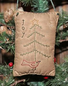Woolensails: Free Christmas Stitchery! - simple and quaint