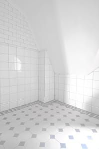 """Now the bathroom is finished with flooring and the material of the walls. Tiles on the walls, tiles on the floor, all joined and with silicone in place. All tiles come from """"Acorn & Lilac"""". Bathroom Renos, Bathroom Renovations, Small Bathroom, Bathrooms, Hide Wires, Porch Entry, Industrial Bathroom, Home Look, Rattan Basket"""
