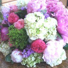 Beautiful wedding flower arrangement