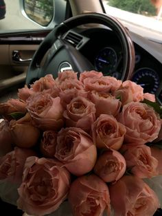 Boquette Flowers, Beautiful Bouquet Of Flowers, Luxury Flowers, Fresh Flowers, Planting Flowers, Beautiful Flowers, Rose Flower Wallpaper, Flower Quotes, Flower Aesthetic
