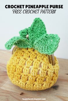 FREE CROCHET PATTERN. Want to make a crochet pineapple coin purse? This is a free crochet pattern with a clear photo tutorial | Happy in Red