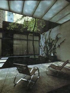 Philip Johnson - atrium townhome
