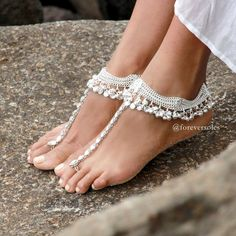 Silver Charming Barefoot Sandals Bellydancing by ForeverSoles Silver Anklets Designs, Anklet Designs, Isadora Duncan, Silver Payal, Ankle Jewelry, Bridal Heels, Fancy Jewellery, Jewelry Design Earrings, Bare Foot Sandals