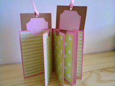 Mini álbum con sobres  y bolsa de papel reciclada