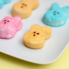 Homemade Marshmallow Peeps (from 52kitchenadventures.com) (hope the marshmallow from this recipe is as good as the strawberry lemonade ones I got from a candy book...but CUTE!  Must get a candy mold like that!!!)