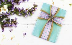 Make your own Easter cross decor with burlap ribbon and a wooden plaque! Crosses Decor, Wood Crosses, Burlap Fabric, Burlap Ribbon, Burlap Cross, Painted Closet, Burlap Garland, Christian Crafts, Cross Crafts
