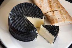 Сыр тянет запахи
