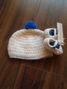 Aran hat & booties Crochet For Kids, Beanie, Booty, Hats, Fashion, Moda, Swag, Hat, Fashion Styles