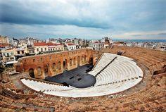 Από την Σελίδα στο facebook Πάτρα μου-Patra moy Γνωρίζετε ότι το Ρωμαϊκό Ωδείο της Πάτρας ανεγέρθηκε νωρίτερα από το αντίστοιχο της Αθήνας, το Ηρώδειο; Πάλι μπροστά είμαστε... [φ. Ηρ. Μήλας]