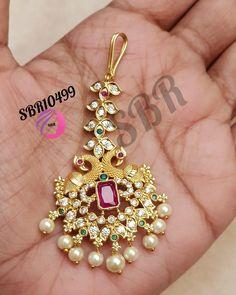 Wedding Jewellery Designs, Bridal Jewellery Inspiration, Gold Jewellery Design, Bridal Jewelry Sets, Gold Jewelry, Gold Necklace, Tikka Jewelry, Headpiece Jewelry, Indian Jewelry