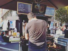 Un petit ristretto qui réveille les morts ! C'est sur la Batte le dimanche matin ! #liege #meuse #lameuse #batte #labatte #coffeelover #cafe #coffee #milk #lait #latte #sugar #zucchero #sucre #cappucino #bar #foodporn  Yummery - best recipes. Follow Us! #foodporn