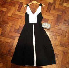 Silvian Heach Dress and Clutch Formal Dresses, Fashion, Dresses For Formal, Moda, Formal Gowns, Fashion Styles, Formal Dress, Gowns, Fashion Illustrations