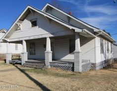 This clic 2-story home has easy access to a local park ... Mobile Home Courts Mt Vernon I Ll on