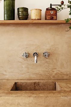 my scandinavian home: Beautifully simple Parisian apartment Wabi Sabi, Parisian Apartment, Paris Apartments, Concrete Sink, Concrete Kitchen, Poured Concrete, Stained Concrete, Concrete Bathroom, Concrete Furniture