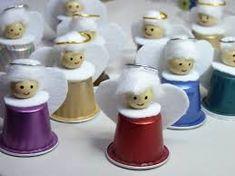 Znalezione obrazy dla zapytania manualidades con capsulas nespresso paso a paso K Cup Crafts, Christmas Crafts, Crafts For Kids, Christmas Decorations, Christmas Angel Ornaments, Santa Ornaments, Kids Christmas, Coffee Pods, Europe