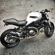 Moto Ducati, Ducati Cafe Racer, Ducati Motorcycles, Moto Bike, Custom Motorcycles, Cars And Motorcycles, Cafe Racers, Custom Sport Bikes, Ducati Monster
