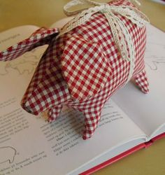 Moski: The Christmas pig Diddi - Julegrisen Diddi Christmas Craft Projects, Crafts To Make