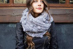 Frozen Lake Infinity Scarf crochet pattern by Two of Wands // free pattern as part of the Lion Brand Yarn Heroes campaign Fall Patterns, Crochet Patterns, Crochet Ideas, Crochet Projects, Knitting For Charity, Bobble Stitch, Slip Stitch, Lion Brand Yarn, Crochet Scarves
