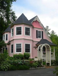 Tyni House, Cute House, Victorian Cottage, Victorian Homes, Pink Houses, Old Houses, Dream Houses, Rose Cottage, Cottage Style